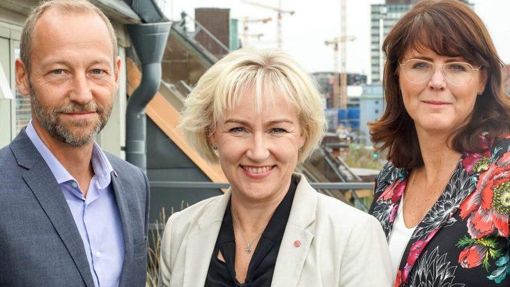 Helene Hellmark Knutsson, Ebba Östlin och Mikael Lindström presenterade idag vallöfte för Stockholmsregionens skolor